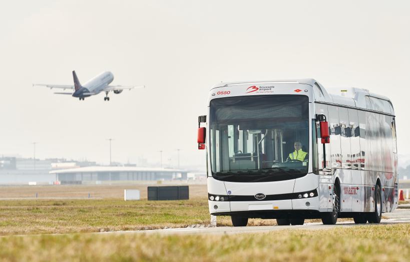 20200514_e-bus-on-tarmac_news_en_teaser.jpg